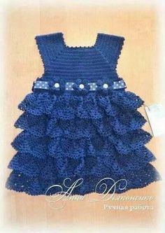 Ya puedes tejer este bonito vestido para niña tejido en crochet. Patrón gráfico de vestido para niña.