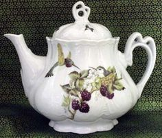 Ashley 5 Cup Hand Decorated Porcelain Teapot - Hummingbird - Hand Decorated Teapots - Roses And Teacups