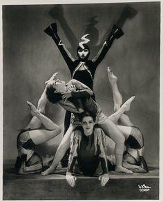 Madame d'Ora – The Demon machine ,1936