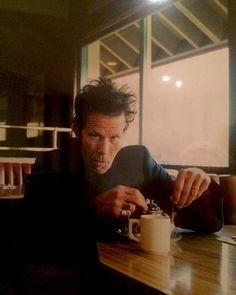 Tom Waits ... he makes a mug of tea look cool !