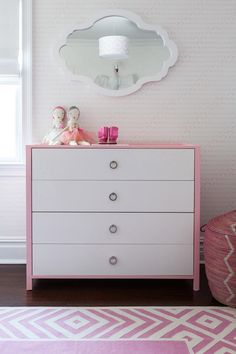 Love the dresser, mirror, basket, all of it! #nursery