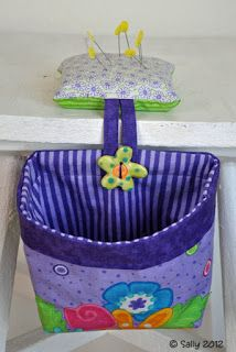 Tutorial: Pincushion with Removable Thread Catcher Bag - stiffened bag back