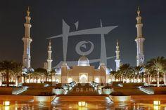 A Mesquita Sheikh Zayed Bin Sultan Al Nahyan, em Abu Dhabi, ? a maior mesquita dos Emirados ?rabes Unidos e a sexta maior mesquita do mundo. Ela recebeu o nome do seu fundador e primeiro presidente dos Emirados ?rabes, Sheikh Zayed (1918-2004)