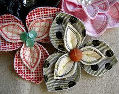 Clever idea for fabric scraps and orphan buttons.