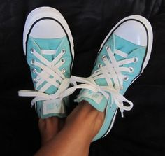 cute way to lace your converse!