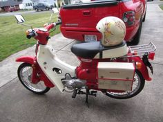 """I love the """"Adventure Touring"""" style look of this build! Here is my 81 passport I turned into a Cub Relocated the turn signals in the front and rear, small Honda tail light and saddle bags from Thai Land! Honda Motors, Honda Bikes, Classic Bikes, Classic Cars, Honda Passport, Honda Cub, Custom Bobber, Urban Bike, Engin"""