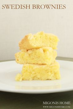 """Even the """"brown-ies"""" are blond in Sweden!-) Swedish Brownies aka Almond Bars ~ the amazing flavor of almond extract is prominent in these brownies! Köstliche Desserts, Delicious Desserts, Dessert Recipes, Yummy Food, Yummy Treats, Sweet Treats, Almond Bars, Scandinavian Food, Swedish Recipes"""
