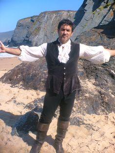 Un Momento de Miguel Ortiz en la serie de tv Piratas