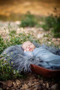 My baby girl! Central Missouri newborn, children and family portrait photographer | Violetta B Photography »