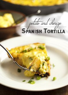 My Spanish tortilla is full of organic eggs and local chorizo and potatoes. It's bursting with flavor and makes a great lunch or dinner. Mexican Dishes, Mexican Food Recipes, New Recipes, Favorite Recipes, Healthy Recipes, Spanish Recipes, Sweets Recipes, Drink Recipes, Desserts