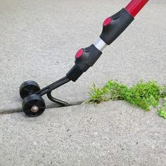 The Weed Snatcher eliminates using chemicals—as well as bending and kneeling on the ground—to get rid of weeds in cracks in places like the driveway, walkway, or patio. The tool's telescoping handle k Yard Tools, Cool Inventions, Lawn Care, Cool Tools, Diy Tools, Cool Gadgets, Lawn And Garden, Garden Pots, Backyard Landscaping