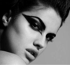 Dramatic winged eye makeup