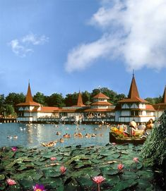 this little town is near the biggest lake of europe (balaton) and is famous for being also the biggest thermal lake in the world. Budapest Spa, Budapest Travel, Budapest Hungary, Places To Travel, Places To Go, Hungary Travel, Amazing Buildings, Beautiful Places In The World, Central Europe