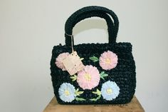 50s 60s black straw handbag with pastel flowers / Mad Men era mid century mod bag