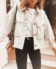 Oversized Boyfriend Cool Big Pockets Button Up Shirt Jacket Womens best fall jackets with big pockets shirt jacket women cotton jackets for womens big pocket jackets long sleeve spring coats for women oversized green fall coat for sale womens clothing … Mode Outfits, School Outfits, Winter Outfits, Fashion Outfits, Fasion, October Outfits, Womens Fashion, Fashion Ideas, Fashion Trends
