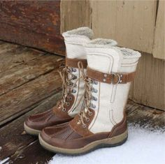 I've been looking for some stylish duck boots and finally found some I love! I neeeeed these!