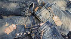 Such dir deine Hose aus! Wir wünschen euch ein schönes Wochenende! #fashion #mode #gluecksstern #lucky #star #weekend #friday #denim #jeans #blue #outfit #herbst