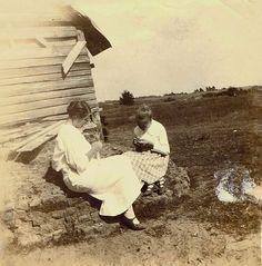 Nannie Ellen Kees Rush with daughter Jessie Rush