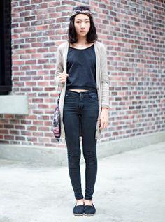 casual black + natural tones - for more inspiration visit http://pinterest.com/franpestel/boards/