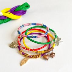 This way you can turn your old and unused bangles to something new and colorful with a few items from your craft box.