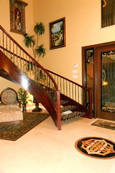 Tuscan staircase and foyer   Zillow   ᘡղbᘠ