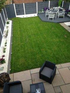 Grey and white theme modern garden with borders Back Garden Design, Modern Garden Design, Garden Landscape Design, Backyard Patio Designs, Modern Backyard, Small Backyard Landscaping, Garden Sitting Areas, Backyard Renovations, Hot Tub Garden