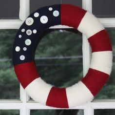 Patriotic Wreath {July 4th Crafts}