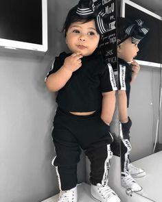Estilosa é pouco ne migs ? 🤔😍Mais uma com esse Lookzinho Styling que amei da @todalindakids 🖤🖤 #minifashionista #minidiva… 2nd Baby, Baby Kids, Baby Boy, Baby Girl Fashion, Kids Fashion, Baby Fever, Actresses, Children, Model