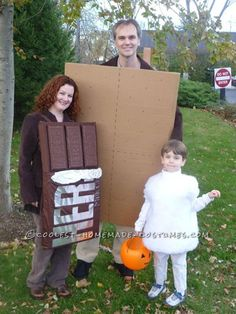 Awesome Homemade 'Smores Family Halloween Costume... This website is the Pinterest of costumes