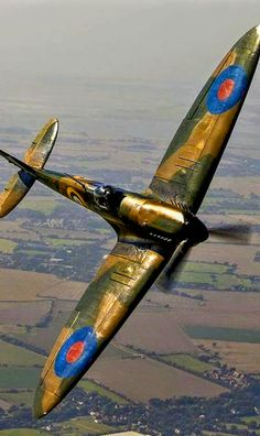 You can't imagine the feeling of wonder, viewing a vintage aircraft and watching a vintage aircraft flying. Ww2 Aircraft, Fighter Aircraft, Military Aircraft, Drones, Air Fighter, Fighter Jets, Spitfire Supermarine, Ww2 Spitfire, Spitfire Airplane