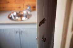 Varjakan Hulina, Oulunsalo, Kanttia2 Finland, Door Handles, Doors, Projects, Home Decor, Door Knobs, Log Projects, Blue Prints, Decoration Home