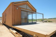 5 Inexpensive Modern Prefab Houses You Can Buy Right Now – Modern Home Prefabricated Houses, Prefab Homes, New House Plans, Modular Homes, Scandinavian Home, Little Houses, Tiny House, New Homes, House Design