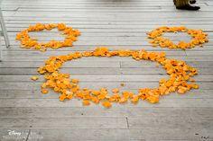 New wedding disney theme receptions mickey mouse 55 Ideas Wedding Themes, Wedding Blog, Dream Wedding, Wedding Ideas, Wedding Reception, Themed Weddings, Wedding Planning, Wedding Inspiration, Mickey Mouse Wedding