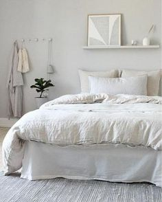 home Bedroom Colour - A Serene Light Coloured Danish Home (my scandinavian home) Home Decor Bedroom, Scandinavian Home, Home Bedroom, Bedroom Interior, Minimalist Bedroom, Bedroom Design, Interior, Danish Bedroom, Home Decor