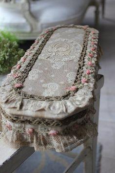 """""""A França antique Marquise de Sévigné (Marquise de Sévigné) caixa de raça"""" Koh Kong, Fuat Coconfouato [bens antique & variado] antique cruz tecido antigo antique têxtil tecido de renda --cloth--"""