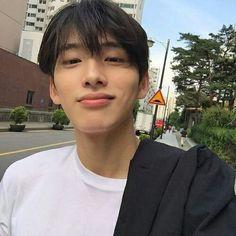 boy, ulzzang, and asian Boys Korean, Korean Boys Ulzzang, Korean Couple, Ulzzang Boy, Cute Korean, Asian Boys, Asian Men, Cute Asian Guys, Cute Guys