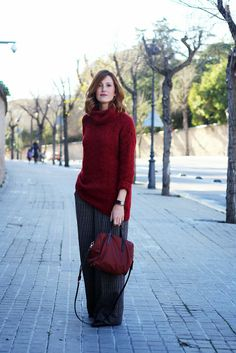 maxi jumper, burgundy, palazzo pants, tartan, plaid, selfdresssed, redhaired, streetstyle, Barcelona www.selfdressed.com