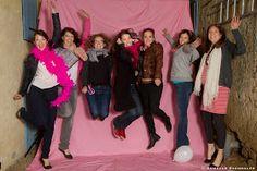 Séance EVJF, Toulouse. Des copines dans le décor.  Armelle Razongles Photographe: Enterrement de Vie de Jeune Fille - Charlotte