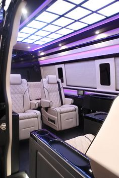 Kapitan Limo Conversion Vans take executive and celebrity transport to a new high with spacious designs, luxurious materials and fine fit and finish inside and out. Mercedes Benz Vans, Mercedes Benz Sprinter, Luxury Sports Cars, Best Luxury Cars, Maserati, Bugatti, Ferrari, Lamborghini, Minivan