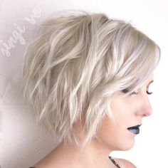 Platinum+Blonde+Layered+Wavy+Bob