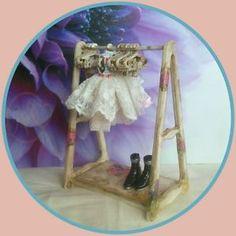 Blythe doll custom made antique white / gold dress rack with 10 dress hangers