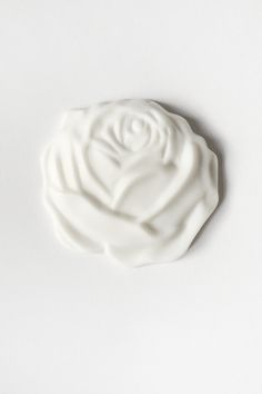 Roses'n'dreams. Brooch Take a walk in our garden of love. Smell the air filled with birdsongs and sunbeams. Pick the most beautiful rose to pin to your dress. Be your blossoming self.  #porcelain #porcelainjewelry #rocknheartporcelain #фарфор #ceramicjewellery #white