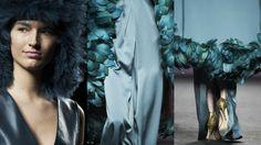 Sandalias Glitter Oro Custom&Chic by Marcos Luengo FW17, Mercedes Benz Fashion Week Madrid. vía @elespañol
