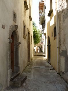 Ancient passage in Lipari - Sicily My Travel Map, Regions Of Italy, North Coast, What A Wonderful World, Vacation Spots, Wonders Of The World, Wander, Countries, Places To Go