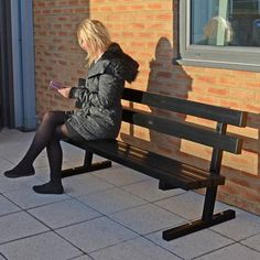 Fusion™ Seat has 100% recycled aluminium slats with Vandalex® Coating for exceptional durability and corrosion resistance and offers excellent vandal and fire resistance. #Seating #Contemporary #Seat #GlasdonUK
