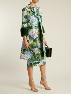 Hydrangea-brocade fur-trimmed coat | Dolce & Gabbana | MATCHESFASHION.COM Fashion Details, Fashion Design, Cool Style, My Style, Business Dresses, Dress And Heels, Couture Fashion, Nice Dresses, Winter Fashion