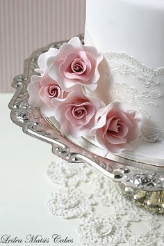 Start your own Wedding Cake Business! http://cakestyle.tv/products/wedding-cake-busines-serie/?ap_id=weddingcake - Delicate roses and piping #WeddingCake