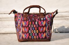 An amazing boho weekender bag to hold all your items in a fashionable way!
