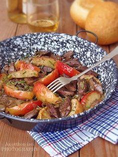 Az otthon ízei: Almás-hagymás csirkemáj Pot Roast, Meat Recipes, Main Dishes, Clean Eating, Paleo, Food And Drink, Yummy Food, Dinner, Cooking
