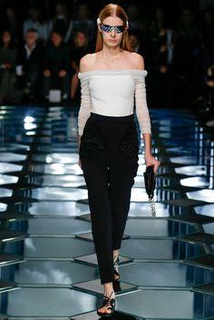 Balenciaga Spring 2015 Ready-to-Wear Fashion Show - Charlotte Reboutier (WOMEN)